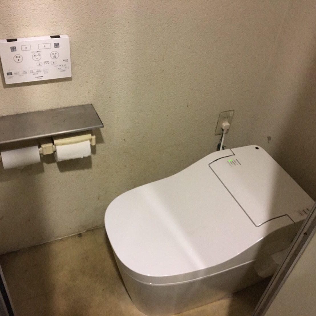 厚木店舗「やまと」 トイレ設置工事 ①