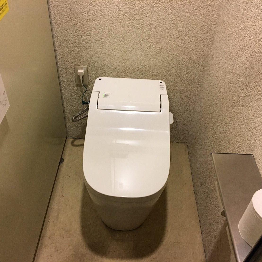 厚木店舗「やまと」 トイレ設置工事 ④